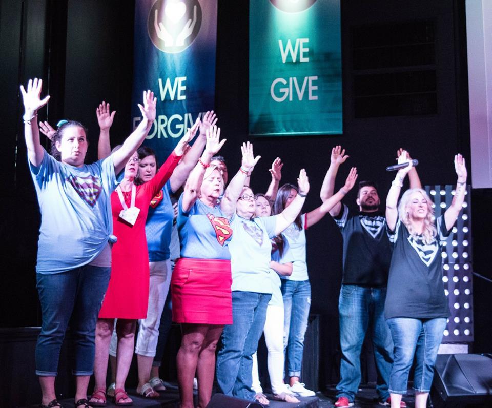 website pic 7 2017 choir praising
